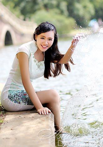 Bikini Profiles Asian Member Peng Cora From Beijing 31 Yo Hair Color Black